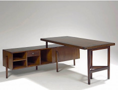 Pierre JEANNERET (1896-1967) Bureau démontable (Writing table for junior officers with file rack) - circa 1950 Teck massif et placag...