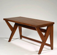 Pierre JEANNERET (1896-1967) Table bureau de conférence (Commitee Table) - circa 1950 Teck massif, naturel, ciré à plateau rectangul...