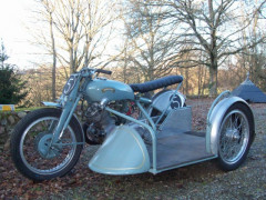 1948 VINCENT 500 GREY FLASH SIDE CAR SPECIAL JACK SURTEES