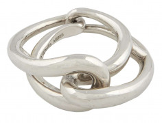 HERMÈS  Bague LOOPING Argent 925/1000 Poids : 12,6 g Taille : 53  LOOPING ring Silver 925/1000 Weight : 12,6 g S...