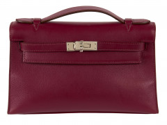 HERMÈS 2010  Pochette KELLY Veau Swift Rubis Garniture métal argenté palladié  KELLY clutch Rubis Swift calfskin lea...