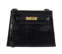 HERMÈS 1985  Sac KELLY Sellier 20 Crocodile du Nil noir (Crocodylus niloticus) II/B Garniture métal plaqué or  KELLY S...