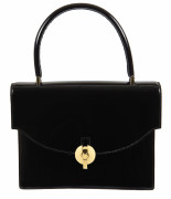 HERMÈS  Sac LORRY Cuir vernis noir Garniture métal plaqué or Miroir  LORRY bag Black varnish leather Gilt metal ha...