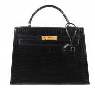 HERMÈS  Sac KELLY Sellier 32 Crocodile d'estuaire noir (Crocodylus porosus) II/B Garniture métal plaqué or  KELLY Sellie...