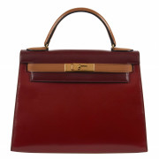 HERMÈS 1987  Sac KELLY Sellier 28 Box tricolore bordeaux, rouge et gold Garniture métal plaqué or  KELLY Sellier 28 ba...
