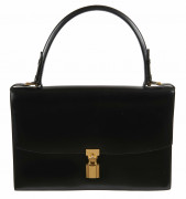 HERMÈS 1963  Sac CADENAS Box noir Garniture métal plaqué or  CADENAS bag Black box calfskin leather Gilt metal har...