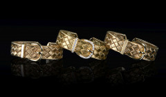HERMÈS  Trois bracelets RAPHIA RUMBA Or jaune 18K, diamants Poids total : 166 g  Three RAPHIA RUMBA bracelets Yellow g...