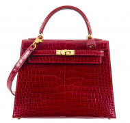 HERMÈS 2013  Sac KELLY Sellier 25 Crocodile d'estuaire rouge (Crocodylus porosus) II/B Garniture métal plaqué or  KELL...