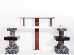 "Ettore SOTTSASS (1917 - 2007) Table - console dite ""She asked me why did you do it…"" - 1987 Structure en pierre et marbre blanc de C..."