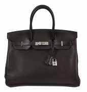 HERMÈS 2009  Sac BIRKIN 35 Veau grainé Chocolat Garniture métal argenté palladié  BIRKIN 35 bag Chocolate grained ca...