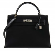 HERMÈS 1999  Sac KELLY Sellier 32 Box noir Garniture métal argenté palladié  KELLY Sellier 32 bag Black box calfskin...