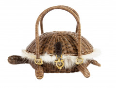 SALVATORE FERRAGAMO  SAC tortue Osier garni de fourrure de coyote Garniture métal vieil or (29 x 13 x 18,5 cm)  BAG tu...