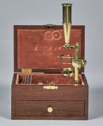 MICROSCOPE COMPOSE DE TYPE GOULD