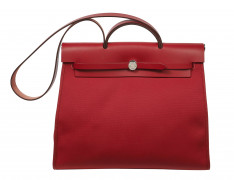 HERMÈS  Sac HERBAG ZIP 39 Toile et cuir rouge Garniture métal argenté palladié  HERBAG ZIP 39 bag Red canvas and leath...