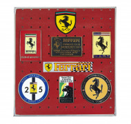 FERRARI  Ensemble de 6 badges et écussons - U.S.A.