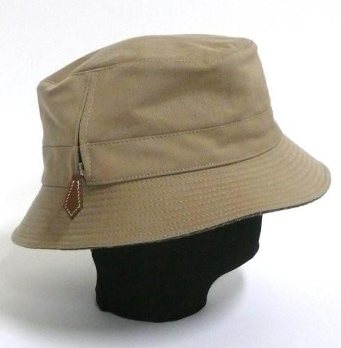ffad9de7310c HERMES Paris Lot de 2 chapeaux comprenant un bob en garbardine de coton  beige et une ...