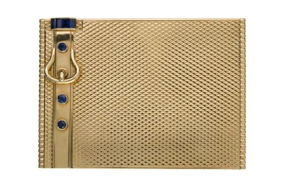 1c3a03da265 HERMES Paris N° 71614 750 Exceptionnel poudrier en or jaune guilloché ...