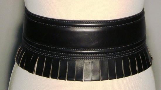 ALAIA LARGE CEINTURE en cuir noir à effet de franges ornée de surpiqûres  ton sur ton 7cf1201f41a