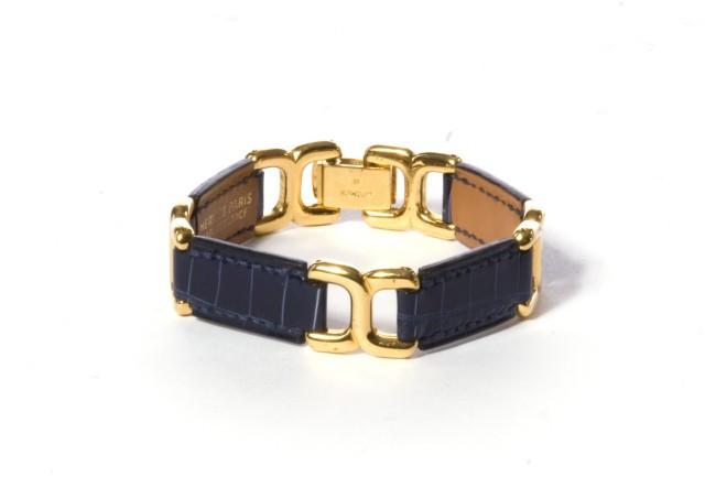 HERMES Paris made in france Bracelet en crocodile bleu saphir et maillons  de séparation en métal 56d7f6ae0e8