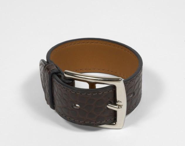 HERMES Paris made in france Beau bracelet en alligator chocolat mate, boucle 737e0a090a3