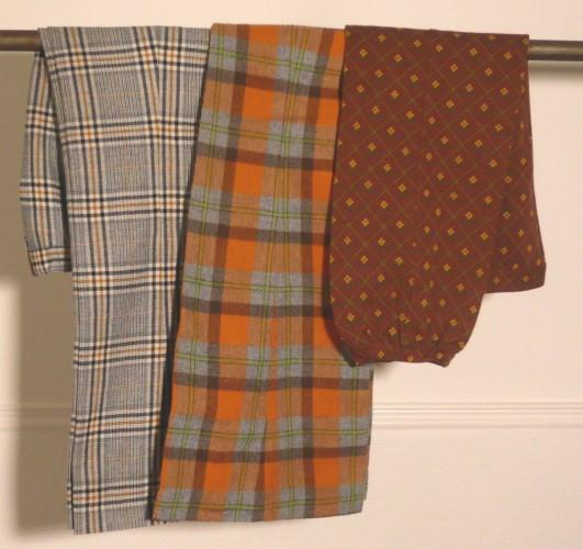 d09763bee183 NOUN S, AMART, WELCOMME PIERRON, circa 1970 LOT comprenant DEUX PANTALONS  en lainage écossais