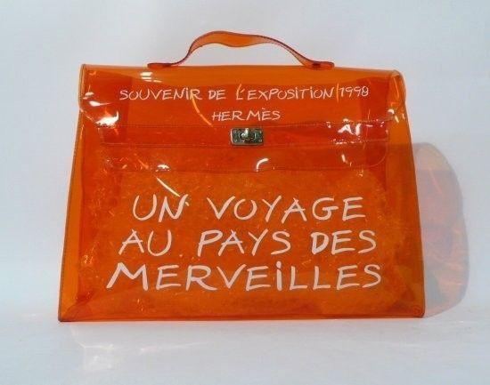 02a7f7880b5 Sac en plastique orange figurant un sac