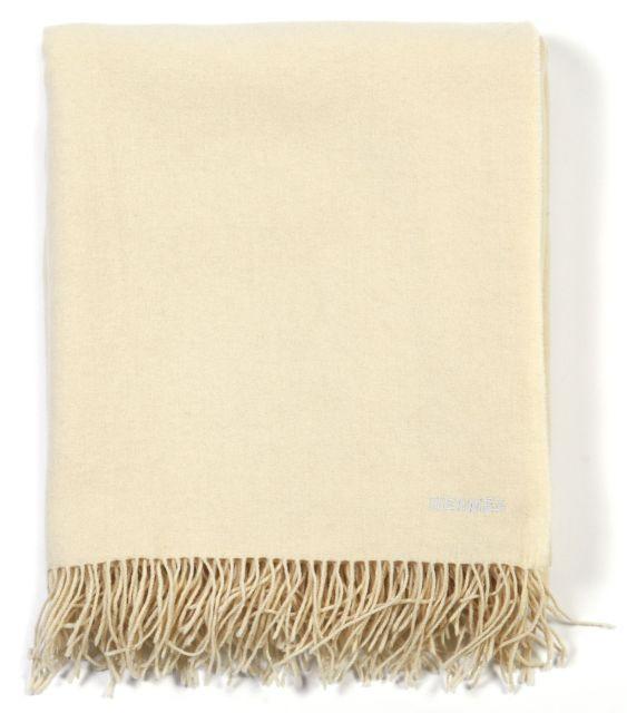 HERMES Paris made in britain Châle à franges en cachemire et laine écrue.  Dim. 85fd30e5456
