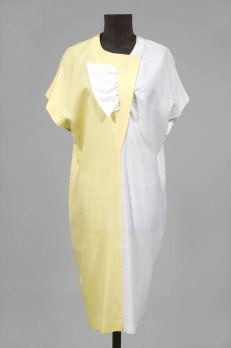 009cf23527c1 Création Pierre CARDIN ROBE SAC en viscose bicolore citron et blanche