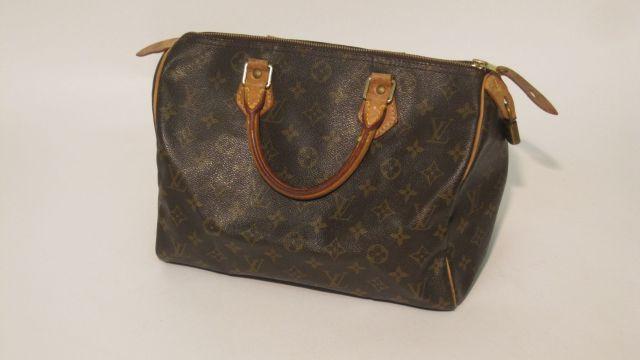 3d9e1579c61d Fashion « Chanel-Vuitton »