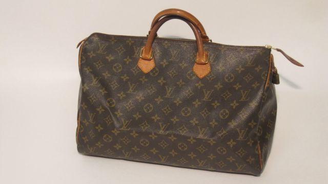 46a226c8856 Fashion « Chanel-Vuitton »