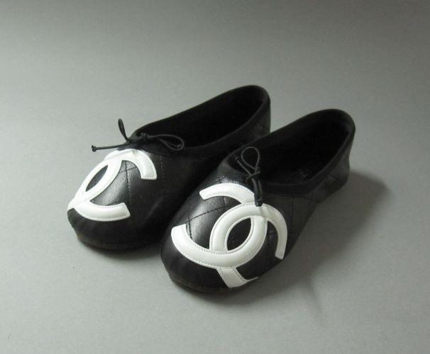 CHANEL ligne Cambon Paire de ballerines en cuir matelassé noir ... c4a0904e71ee