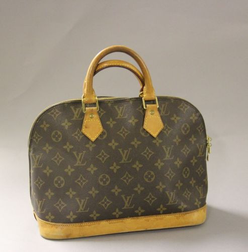 ad3c38b9df Fashion « Chanel-Vuitton » | Sale n°2045 | Lot n°183 | Artcurial