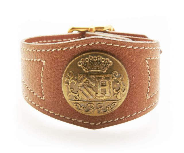 24362ae585c6 HERMES Paris made in france Bracelet prototype en veau grainé Gold, piqué  sellier blanc,