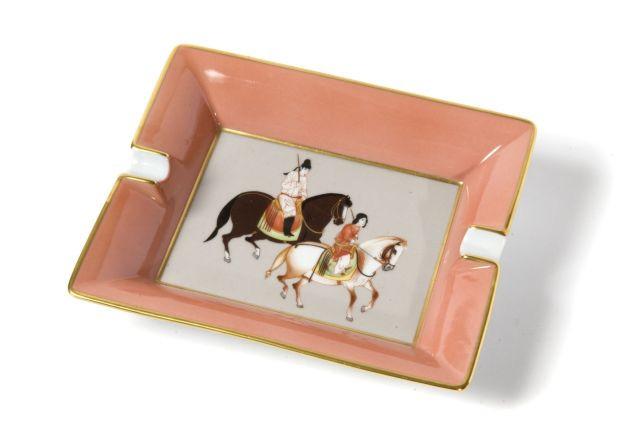 1064cda30a6b HERMES Paris made in france Cendrier en porcelaine de Limoges à décor peint  de deux cavaliers