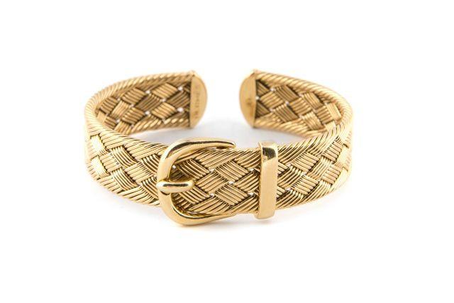 HERMES Paris Bracelet jonc en or jaune tressé figurant une boucle de  ceinture. Signé 932852fafa9