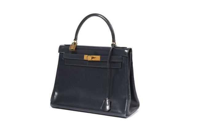 b50bddb4bc37 Hermès Vintage   Sale n°2310   Lot n°32   Artcurial