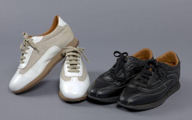 64b87d8a5d02 HERMES Made in France, Deux paires de chaussures  une paire de