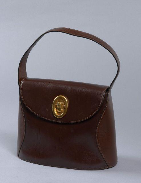 DIOR, Sac d épaule vintage en cuir brun à deux tons avec une petite 517bb9b24b2
