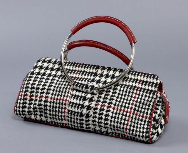 Georges RECH, grand sac baguette en laine noire, rouge et blanche, deux  anses 670508e9ba1