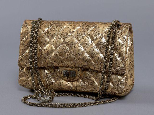 Chanel - Louis Vuitton   Vente n°2418   Lot n°37   Artcurial 34da1e8d035