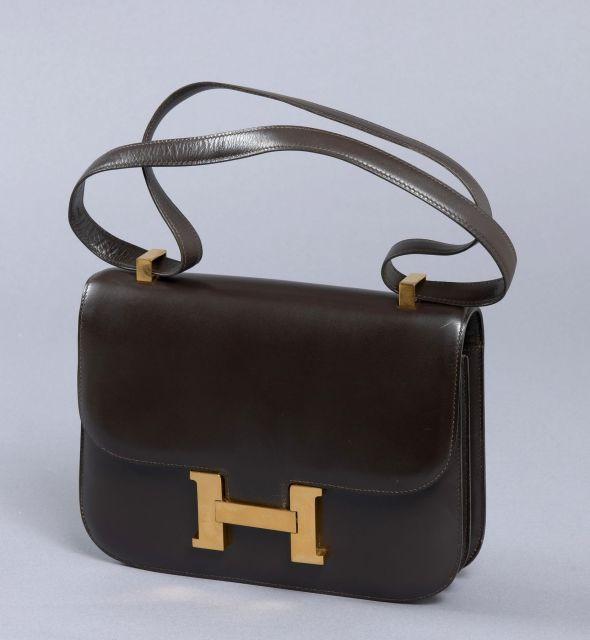 Chanel - Louis Vuitton   Vente n°2418   Lot n°131   Artcurial 29da5339dab