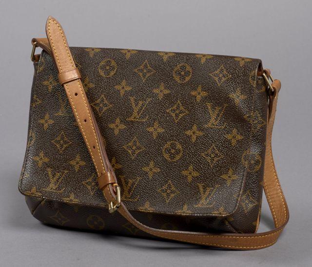 61cb175abef Chanel - Louis Vuitton | Vente n°2507 | Lot n°149 | Artcurial