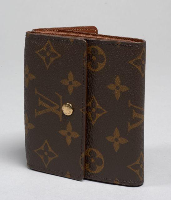 ee389952bf3c Louis VUITTON, Elise Portefeuille en toile Monogram, un côté porte-cartes  et portefeuille