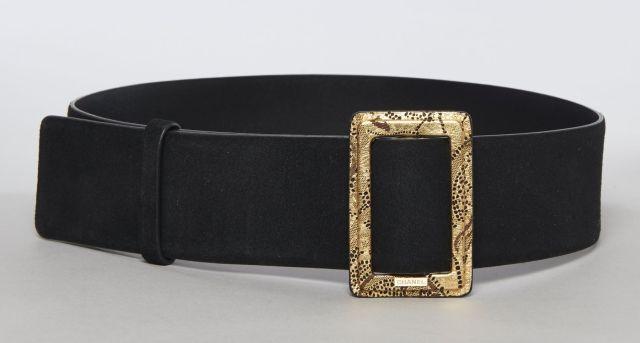 CHANEL, ceinture de daim noir à boucle dorée à motifs de dentelle et siglée, 4bd2b4f1f01