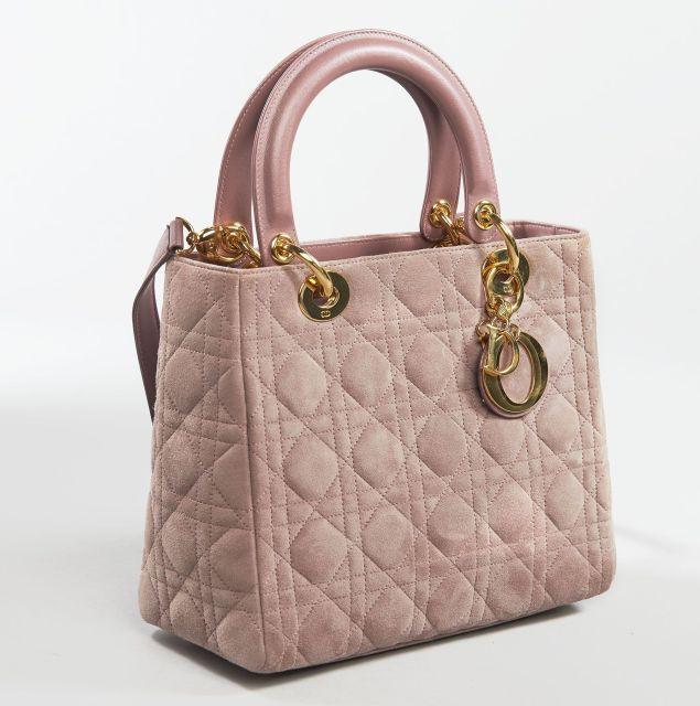 Chanel - Louis Vuitton   Sale n°2639   Lot n°138   Artcurial 295a650fade