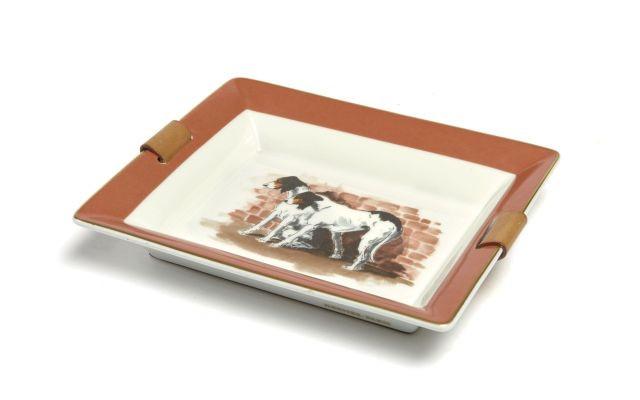 bdb82e817ce2 HERMES Vide-poche en porcelaine blanche de Limoges, à décor de chiens de  chasse