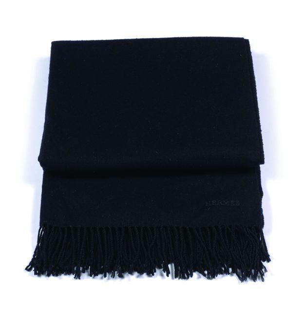HERMES Châle en cachemire et laine noir. A black cashmere and wool shawl.  Good 461714f7e9e