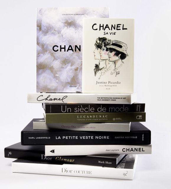 DIX OUVRAGES SUR LA MODE   - Chanel 4 ouvrages sur la biographie et les  créations a564bb4eaeb