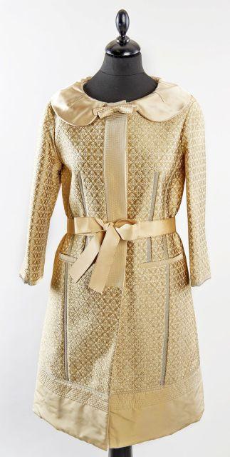 Louis VUITTON, Manteau du soir en acétate, polyester, coton et soie doré et 8003f64e2257