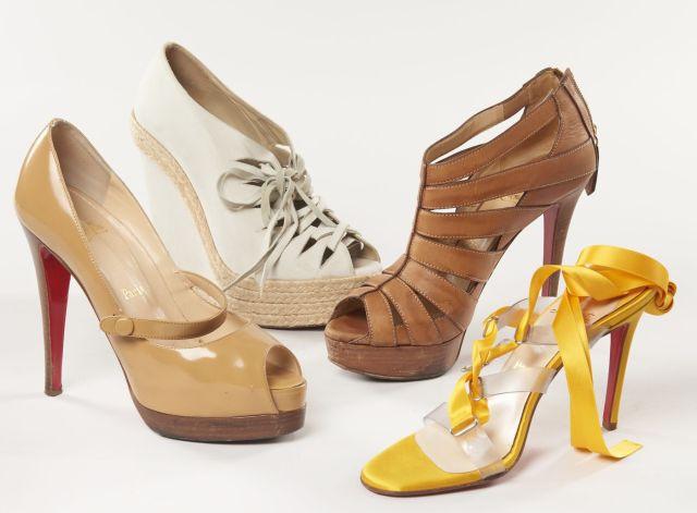 43492cfbeba7 Christian LOUBOUTIN, Quatre paires de chaussures   une paire de sandales à  talons jaune et